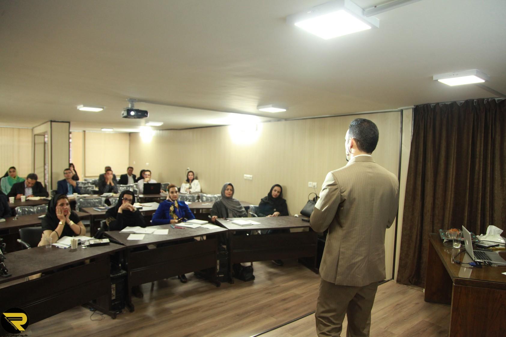 اجاره فضای آموزشی شهر یزد - اجاره کلاس آموزشی شهر یزد - اجاره سالن آموزشی شهر یزد